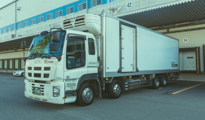 冷蔵冷凍車  (10t)